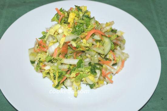 Постный витаминный салат из пекинской капусты с огурцом