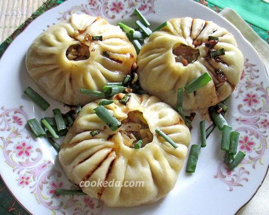 Баоцзы в пароварке (китайская кухня)