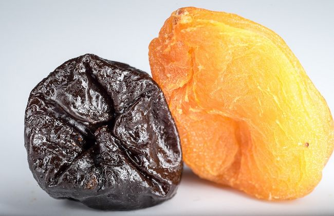 Сухофрукты из чернослива и абрикос