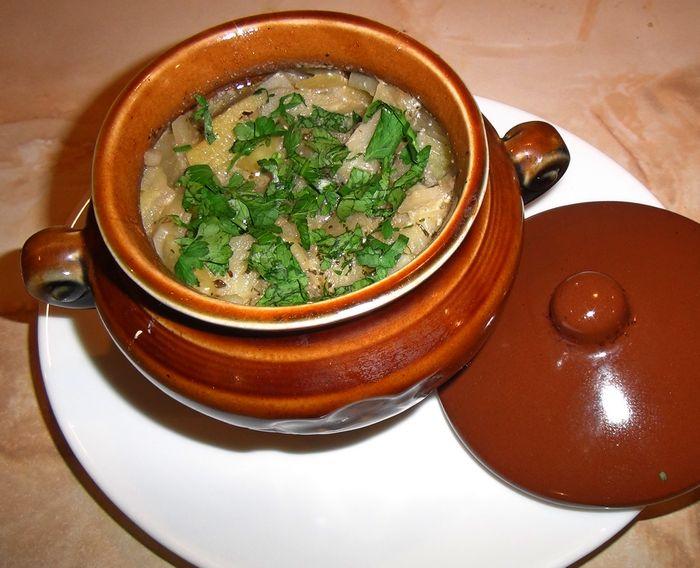 свинина с картофелем в горшочках