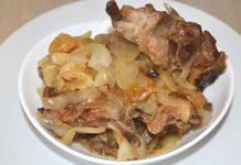 Утка с луком на сковороде - пошаговый рецепт