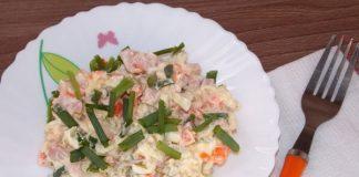 Как приготовить салат Оливье с колбасой и солеными огурцами - пошаговый рецепт