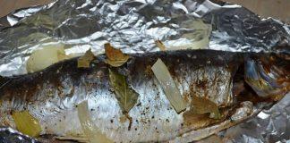 Селедка запеченная в духовке - пошаговый рецепт