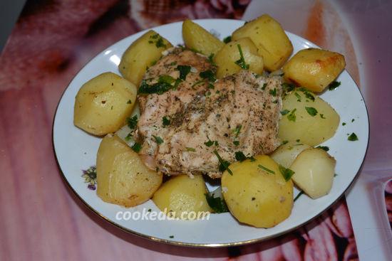 куриная грудка с картошкой в рукаве