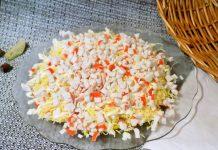 Крабовый салат слоями - пошаговый рецепт