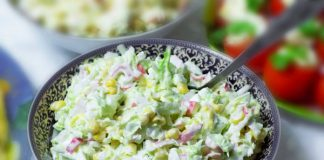 Салат из пекинской капусты с крабовыми палочками - пошаговый рецепт