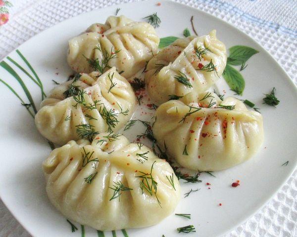 Манты с мясом и картошкой на кефире - пошаговый рецепт