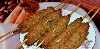 люля-кебаб из свинины на шпажках - рецепт с фото