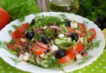 Салат с брынзой и помидорами - рецепт с фото
