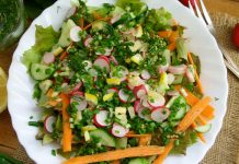 Салат с редисом и огурцом - рецепт с фото