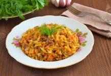 тушеная капуста с тушенкой на сковороде - пошаговый рецепт