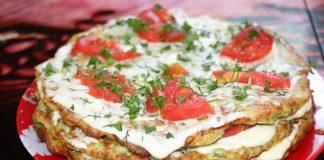 Слоеный торт из кабачковых блинчиков с помидором - рецепт с фото