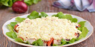 Салат с курицей, помидором и сыром - рецепт